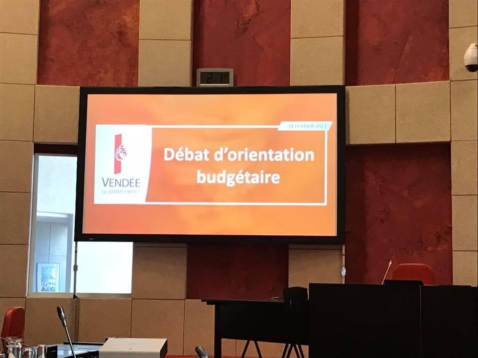 Arnaud charpentier présent pour l'ouverture de la session du département avec la présentation du SDACR