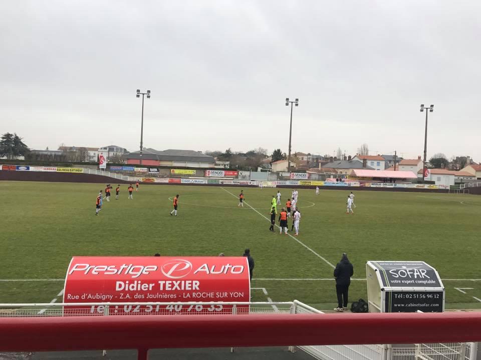 Au stade Jean Demouzon pour voir la DSR de Lucon jouer contre la Chapelle Sur Erdre