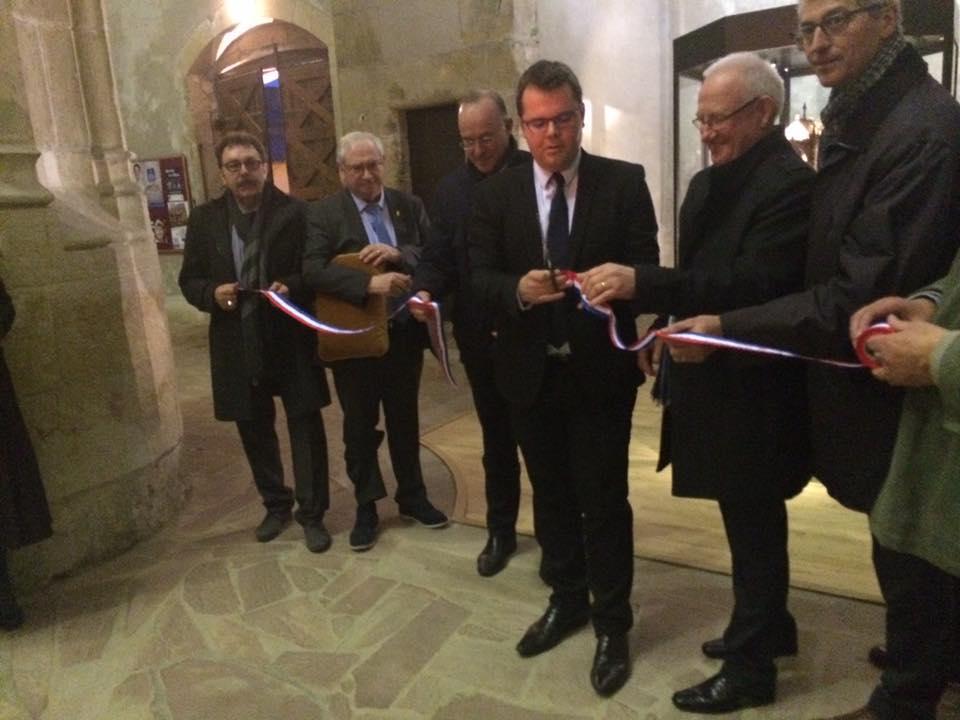 présentation officielle du trésor religieux de l'Eglise de St Pierre du Chemin avec la présentation des reliques de St Valentin